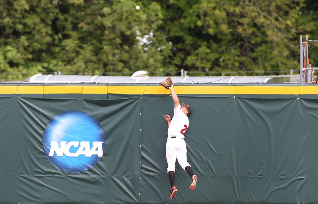 Govs Down Sycamores To Stay Alive In Ncaa Championships